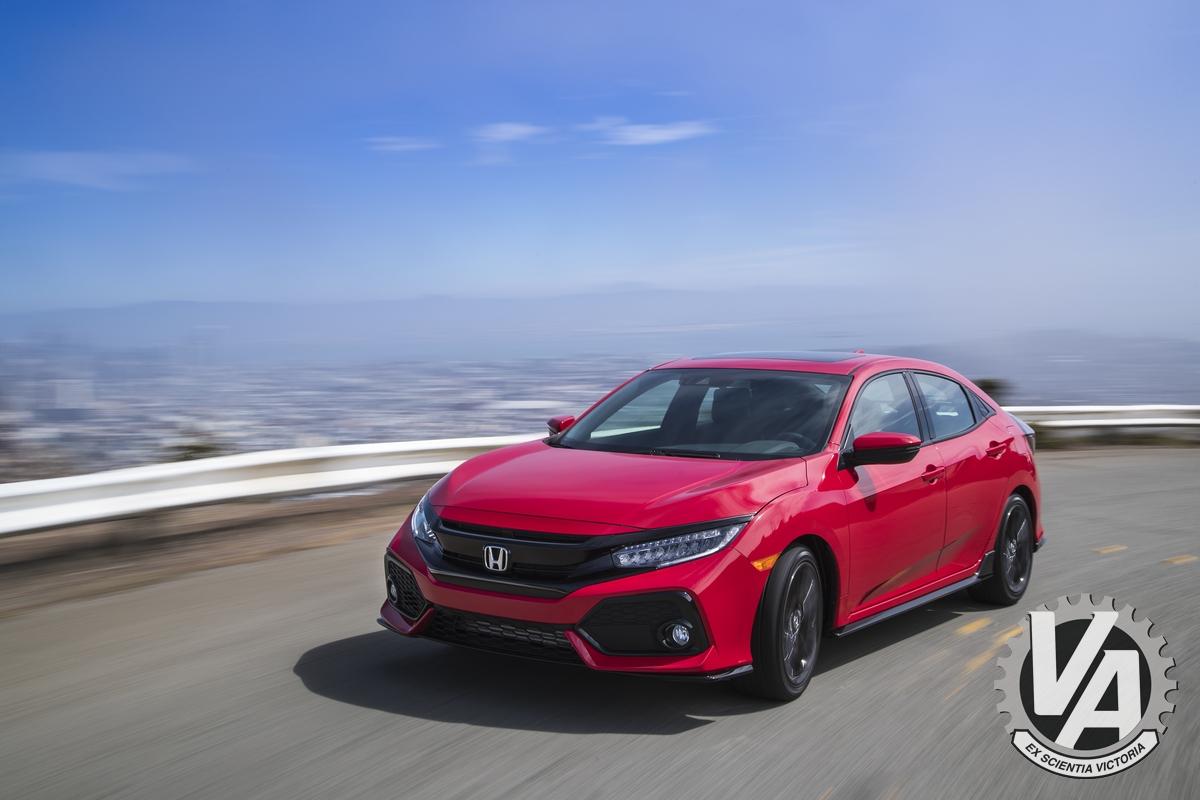 2017_Honda_Civic_Hatchback_07.jpg